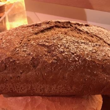 Groot donker brood